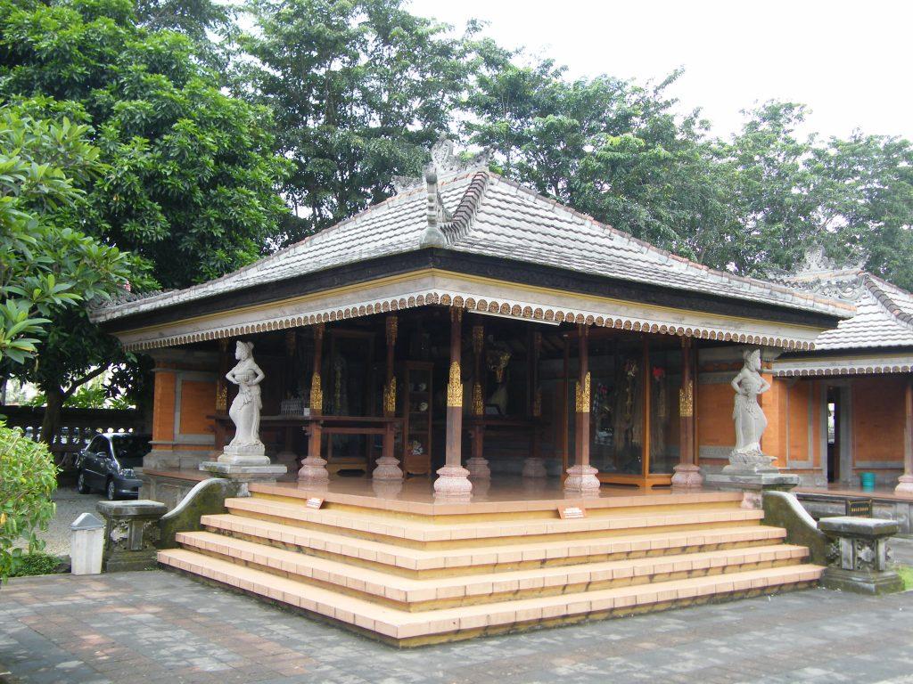 Bale Dauh - Rumah Adat Bali